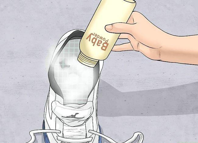 Prent getiteld Get Squeaks Out of Air Jordan Sneakers Stap 4