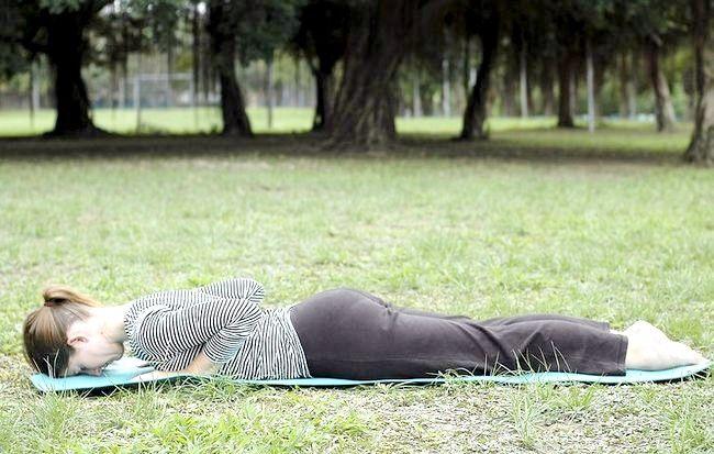 Hoe om joga posture uit te voer