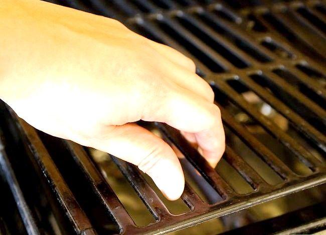 Prent getiteld Sear Steaks op die Grill Stap 11