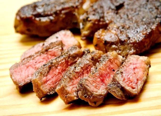Prent getiteld Sear Steaks op die Grill Finale