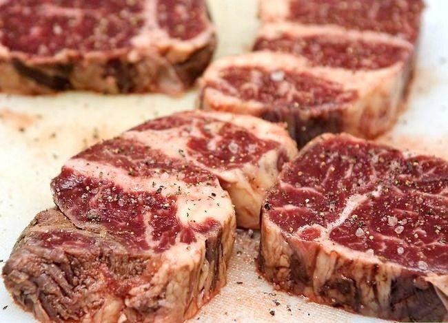 Prent getiteld Sear Steaks op die Grill Stap 2