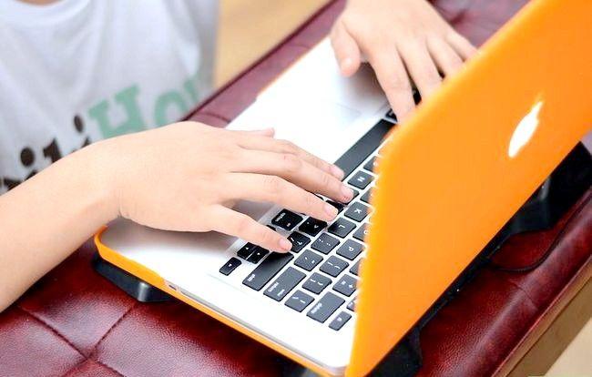 Prent getiteld Surf the Web by Night (Teens of Kids) Stap 4