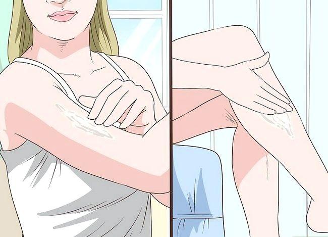 Prent getiteld Gebruik Baby Olie in jou skoonheid roetine Stap 12