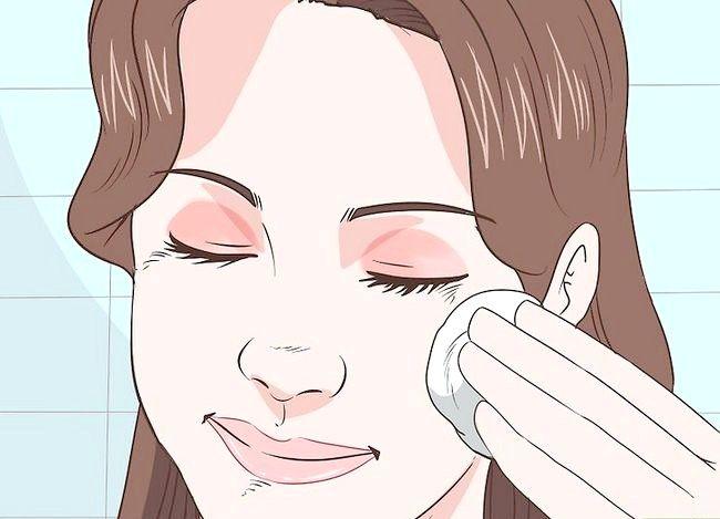 Prent getiteld Gebruik Baby Olie in jou skoonheid roetine Stap 3