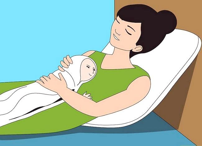 Prent getiteld Gebruik verskillende borsvoedingsposisies Stap 5