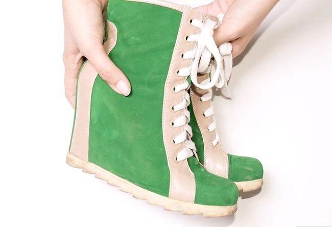 Prent getiteld Wear Wedge Sneakers Stap 6