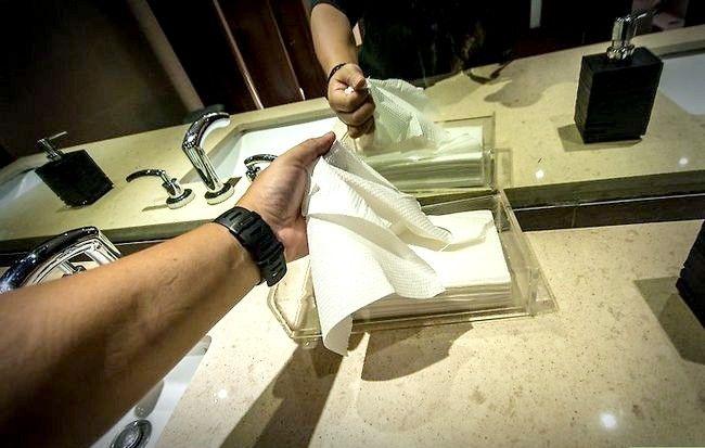Prent getitel Veilig gebruik `n openbare badkamer Stap 6