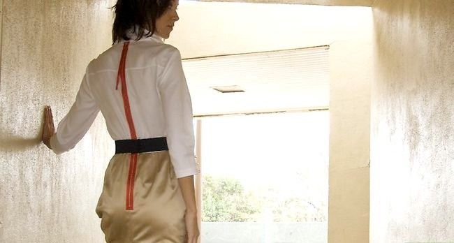 Prent getiteld Dress Fashionably Stap 3