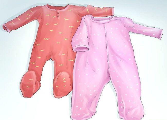 Prent getiteld Dress a Baby Stap 8